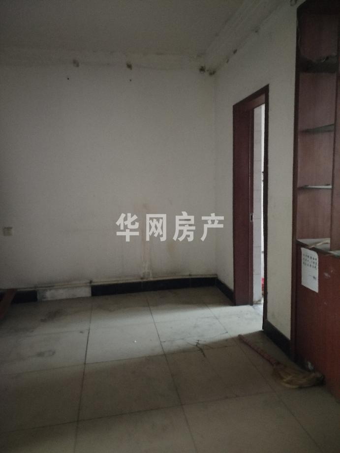 振兴路粮食局家属院 1 号楼 4单元 0402